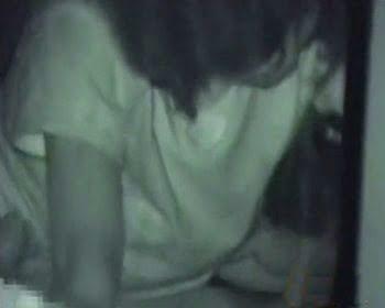カーSEX中のカップルを暗視カメラで盗撮