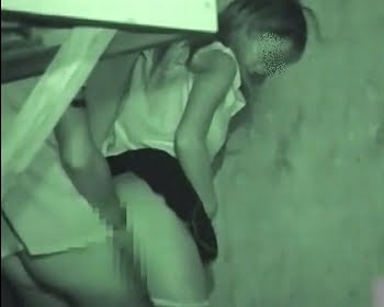 暗視カメラで青姦中のカップルを盗撮